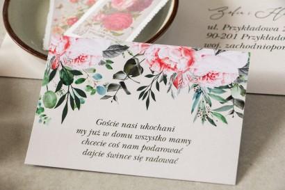 Bilecik do zaproszeń ślubnych z różowymi piwoniami i różami z dodatkiem gałązek eukaliptusa