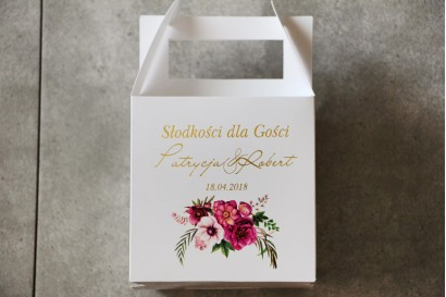 Pudełko na ciasto kwadratowe, tort weselny - Cykade nr 5 ze złoceniem - Intensywnie fioletowe kwiaty