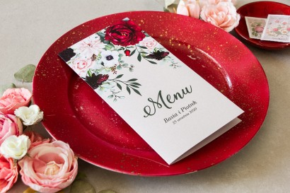 Menu weselne. Grafika z dodatkiem pastelowych dalii i białych anemonów