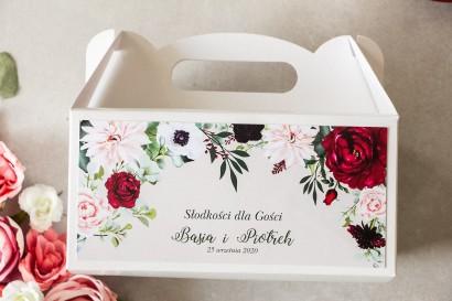 Burgundowe Prostokątne Pudełko na Ciasto weselne z nadrukiem pastelowych dalii i białych anemonów
