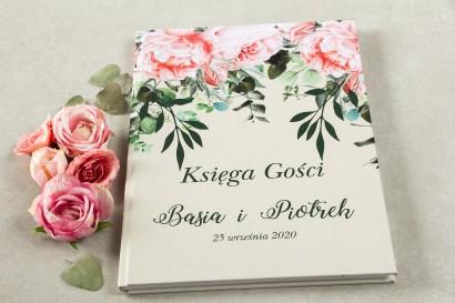 Ślubna, weselna Księga Gości z różowymi piwoniami i różami z dodatkiem gałązek eukaliptusa