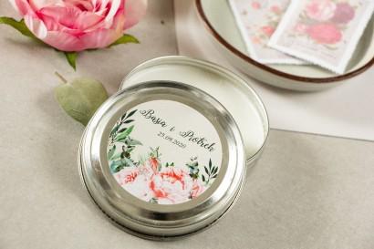 Świeczki Ślubne okrągłe jako Podziękowania dla Gości. Etykieta z różowymi piwoniami i różami