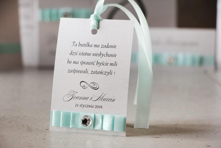 Zawieszka na butelkę, wódka weselna, ślub - Amaretto nr 6 - Pastelowa mięta na eleganckim perłowym papierze