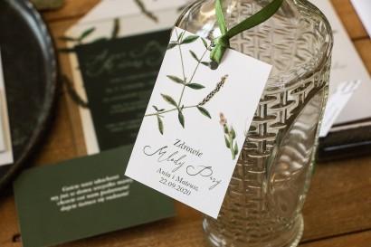 Zawieszki na butelki weselne z zieloną gałązką