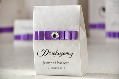 Pudełeczko na słodkości jako podziękowania dla gości weselnych - Elegancka kolekcja na papierze perłowym z fakturą