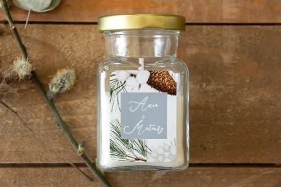 Świeczki - Podziękowania dla gości. Etykieta z iglastymi gałązkami i delikatną bawełną