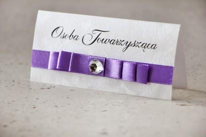 Winietki na stół weselny, ślub - Amaretto nr 7 - Elegancki fiolet na srebrnym perłowym papierze