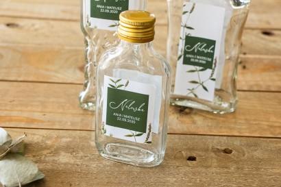 Ślubne Butelki na nalewki - Podziękowania dla Gości. Etykieta z zieloną gałązką