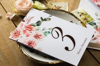 Botaniczne Weselne Numery Stolików z kompozycją delikatnego, różowego bukietu