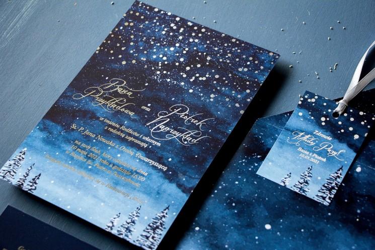 Zimowe zaproszenia ślubne ze srebrzonymi kropeczkami i mieniącym się tekstem