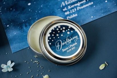 Okrągłe Świeczki w metalowej puszce - podziękowania dla gości weselnych w stylu Glamour ze srebrzonymi kropeczkami