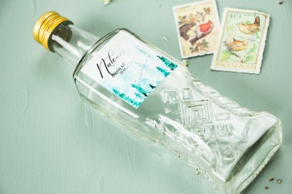 Ślubne Butelki na nalewki, prezenty dla Gości. Etykieta ze srebrzeniami oraz z akwarelowym motywem