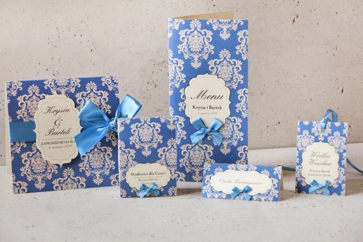 Zaproszenie ślubne z dodatkami - Ornament nr 2 - Intensywnie chabrowe kolory na kremowym papierze