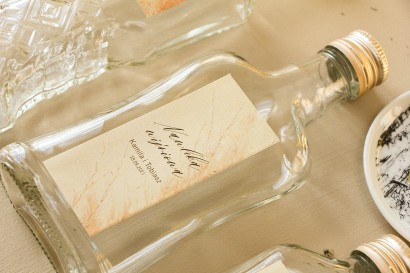 Ślubne Butelki na nalewki, prezenty dla Gości. Etykieta z motywem trawy pampasowej