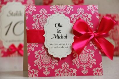 Zaproszenie ślubne perłowe z kokardką- Ornament nr 4 - Intensywny Amarant na papierze kremowym