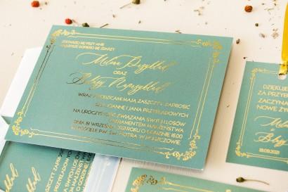 Złote zaproszenia ślubne z przewagą zieleni. Minimalistyczne zaproszenia ślubne ze złotą ramką
