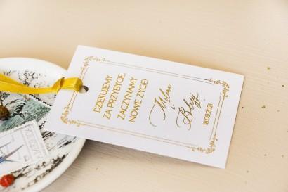 Minimalistyczne Zawieszki na butelki weselne w białym kolorze ze złoceniami