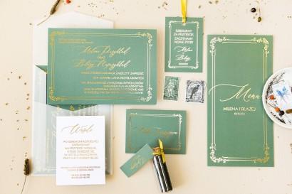Złote Menu ślubne z przewagą zieleni oraz złotą ramką