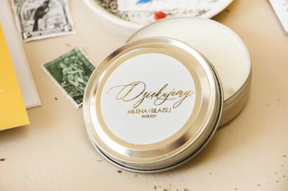 Okrągłe Świeczki - podziękowania dla gości weselnych w stylu Glamour. Minimalistyczna Etykieta w białym kolorze ze złoceniami