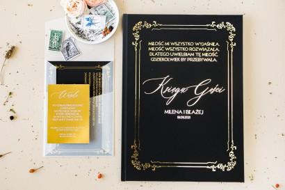 Czarna Weselna Księga Gości w stylu glamour ze złotym tekstem oraz złotą ramką