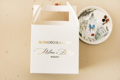 Minimalistyczne Pudełko na Ciasto weselne (kwadratowe) w białym kolorze ze złoceniami