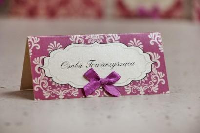 Winietki na stół weselny, ślub - Ornament nr 7 - Fioletowe perłowe z kokardką