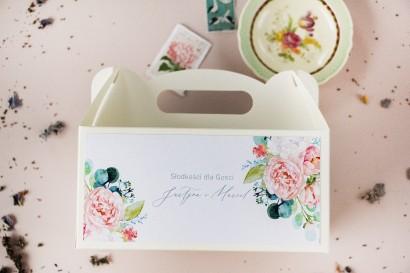 Ślubne Pudełko na Ciasto (prostokątne) z piwonią zainspirowane kwiatowym motywem