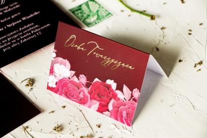 Burgundowe Wineitki ślubne ze złoceniami i kwiatowym motywem