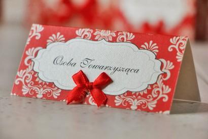 Winietki na stół weselny, ślub - Ornament nr 8 - Perłowe z czerwienią i kokardką