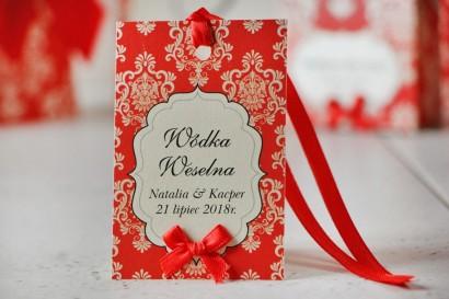 Zawieszka na butelkę, wódka weselna, ślub - Ornament nr 8 - Czerwone z ornamentami, eleganckie dodatki weselne, dodatki na ślub