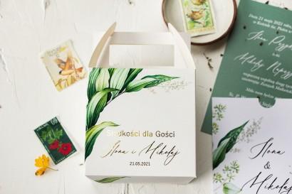 Botaniczne pudełko na ciasto weselne (kwadratowe) w stylu vintage z roślinną grafiką i złoceniem