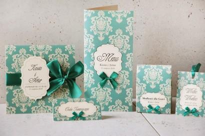 Zaproszenie ślubne z dodatkami - Ornament nr 9 - Szmaragdowe z kremowymi eleganckimi ornamentami i kokardą