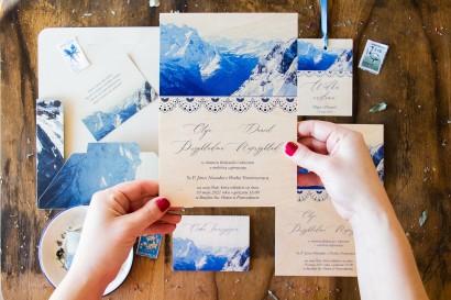 Drewniane zaproszenia ślubne z motywem gór. Zaproszenia na górskie wesele i dla miłośników górskich widoków