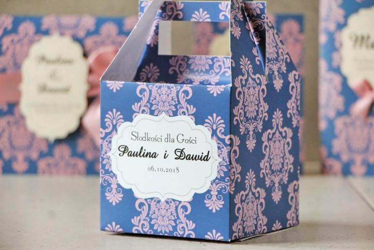 Pudełko na ciasto kwadratowe, tort weselny - Ornament nr 10 - Różowo-chabrowe połączenie
