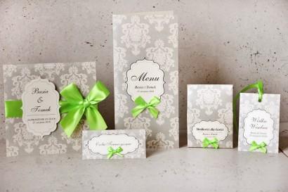 Zaproszenie ślubne z dodatkami - Ornament nr 11 - Delikatna szarość z akcentem kolorystycznym, Eleganckie z kokardą