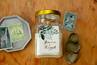 Świeczki Ślubne - prezenty dla gości weselnych. Złocona etykieta z botanicznym motywem