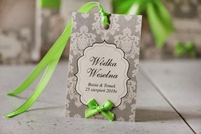 Zawieszka na butelkę, wódka weselna, ślub - Ornament nr 11 - Beżowo-kremowe ornamenty z kokardką, papier perłowy