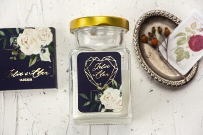 Świeczki Ślubne jako podziękowania dla gości. Etykieta ze złoceniami, w kolorze granatowym