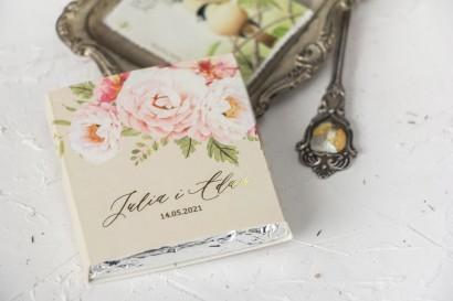 Czekoladki Ślubne jako podziękowania dla gości. Złocona owijka kolorze kremowym