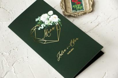 Menu Ślubne ze złoceniami w kolorze butelkowej zieleni z dodatkiem białych piwonii, dalii i hortensji