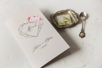 Kremowe Menu Ślubne ze złoceniami i z bukietem pastelowych kwiatów