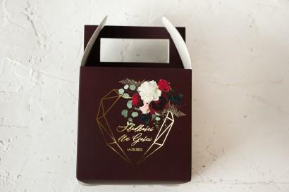 Burgundowe  Ślubne Pudełko na Ciasto - kwadratowe - ze złoceniami, z czerwonymi różami i piwoniami