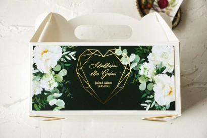 Ślubne Pudełko na Ciasto - prostokątne - ze złoceniami w kolorze butelkowej zieleni z dodatkiem białych piwonii