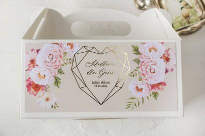 Kremowe Ślubne Pudełko na Ciasto - prostokątne - ze złoceniami i z bukietem pastelowych kwiatów