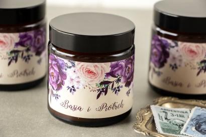 Naturalne Świeczki sojowe - podziękowania dla gości weselnych. Fioletowa etykieta z dodatkiem gałązek lawendy