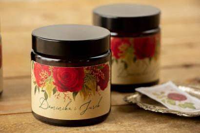 Naturalne Świeczki sojowe - podziękowania dla gości weselnych. Etykieta z papieru ekologicznego z czerwoną różą