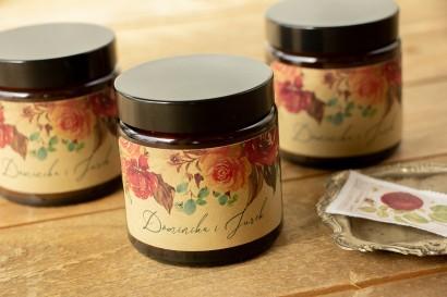 Naturalne Świeczki sojowe - podziękowania dla gości weselnych. Etykieta z papieru ekologicznego z różowym bukietem