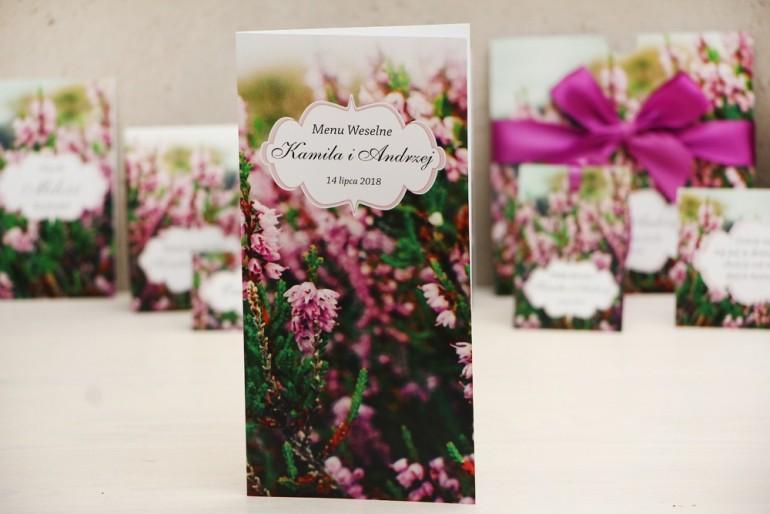 Menu weselne, stół weselny - Felicja nr 1 - Wrzosowe pole - kwiatowe dodatki ślubne