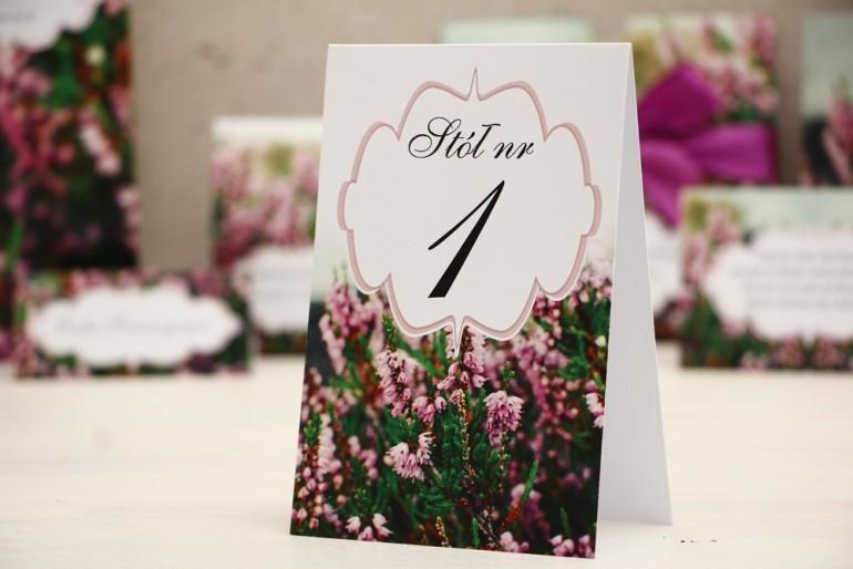 Numery stolików, stół weselny, ślub - Felicja nr 1 - Wrzosowe pole, dodatki ślubne