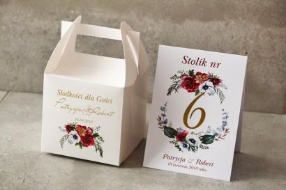 Pudełko na ciasto kwadratowe, tort weselny - Cykade nr 7 ze złoceniem - Kwiaty w chłodnych barwach bordo i bieli